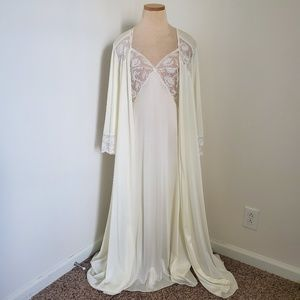 Miss Elaine Small Vintage lingerie Gown Ivory